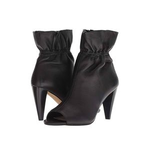 BNWT vince camuto addiena booties
